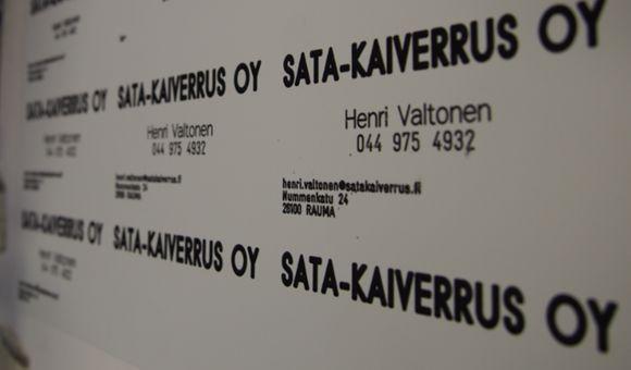 Taidolla tehdyt nimilaatat ja kaiverrukset Kankaanpäässä