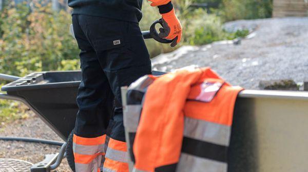Suomen Teollisuusvaate Oy, Kaarina