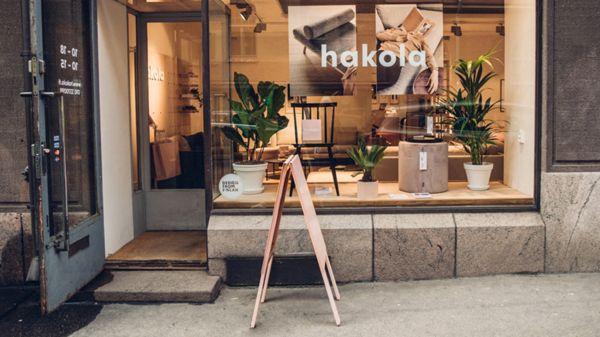 Hakola Huonekalu Oy, Helsinki