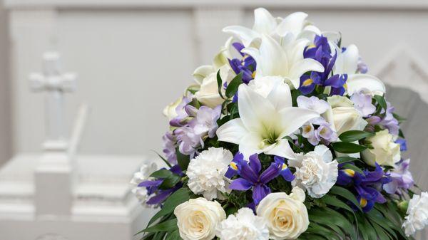 Iin Hautaustoimisto ja Kukkakauppa, Ii