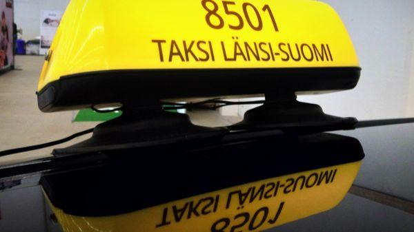 Taksi Petra & Petteri Hietanen, Nousiainen