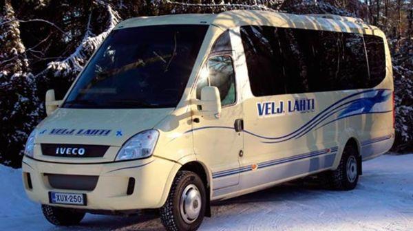 Taksi ja linja-autoliikenne Veljekset Lahti Ky, Kauhava