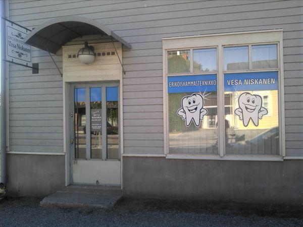 Vakkapurenta Oy hammaslaboratorio, Uusikaupunki